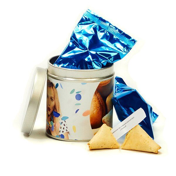 2 Fortune Cookies in personalised tin