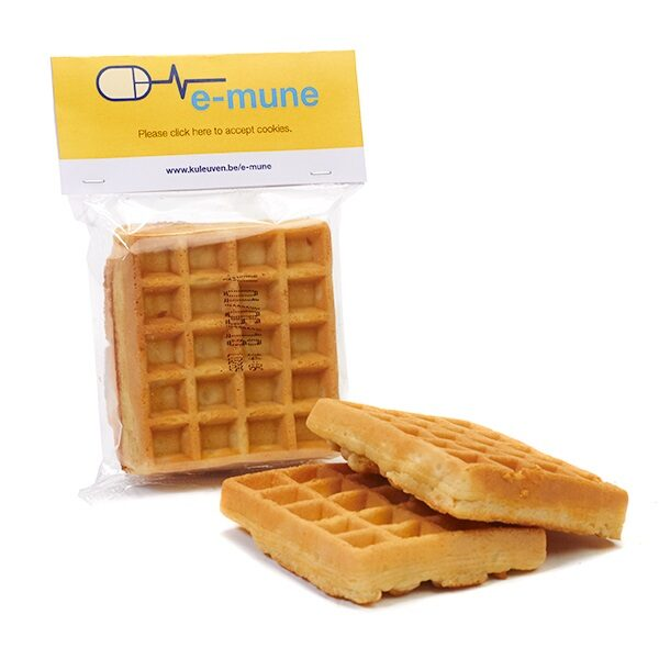 Brussels waffle in flowpack with personalized top card